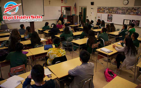 Hình ảnh lớp học tại tại Moreau Catholic High School - Du học Đại Thiên Sơn DTS
